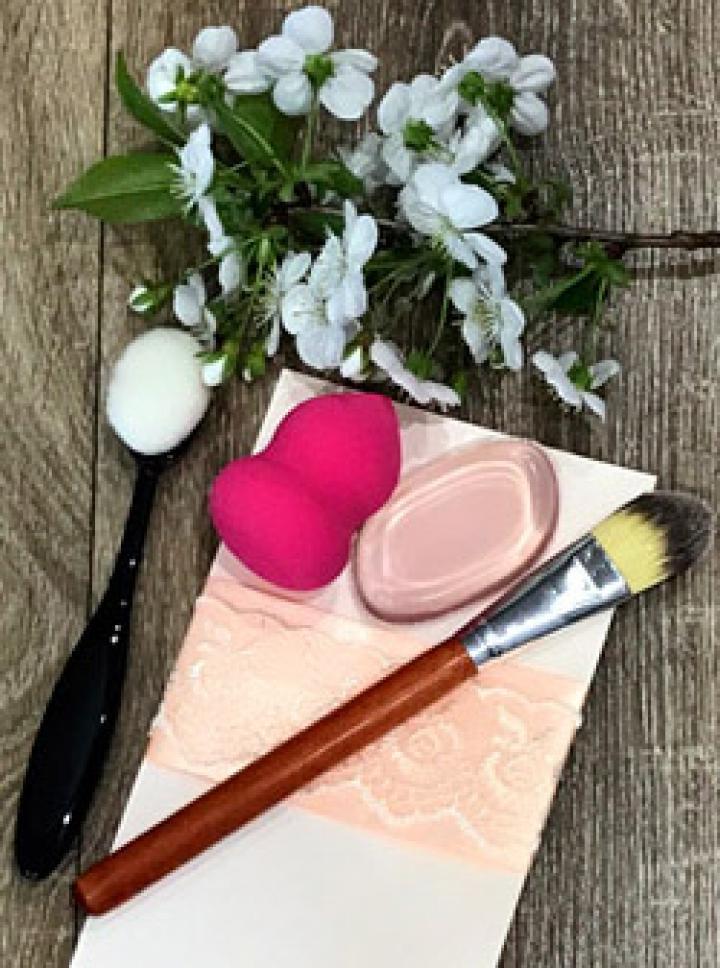 Как и чем наносить основу под макияж