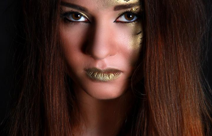 "Art-visage ""Golden Girl"""