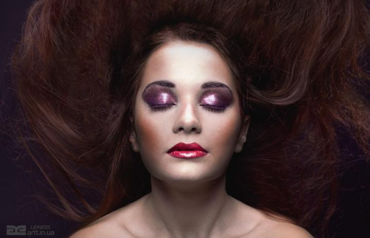 макияж влажное веко