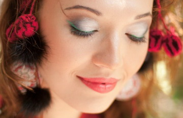 цветные стрелки макияж