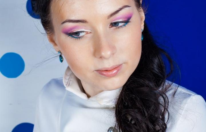 розовый цвет макияж