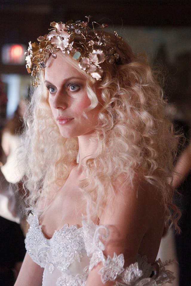 Золотой свадебный look от Galia Lahav